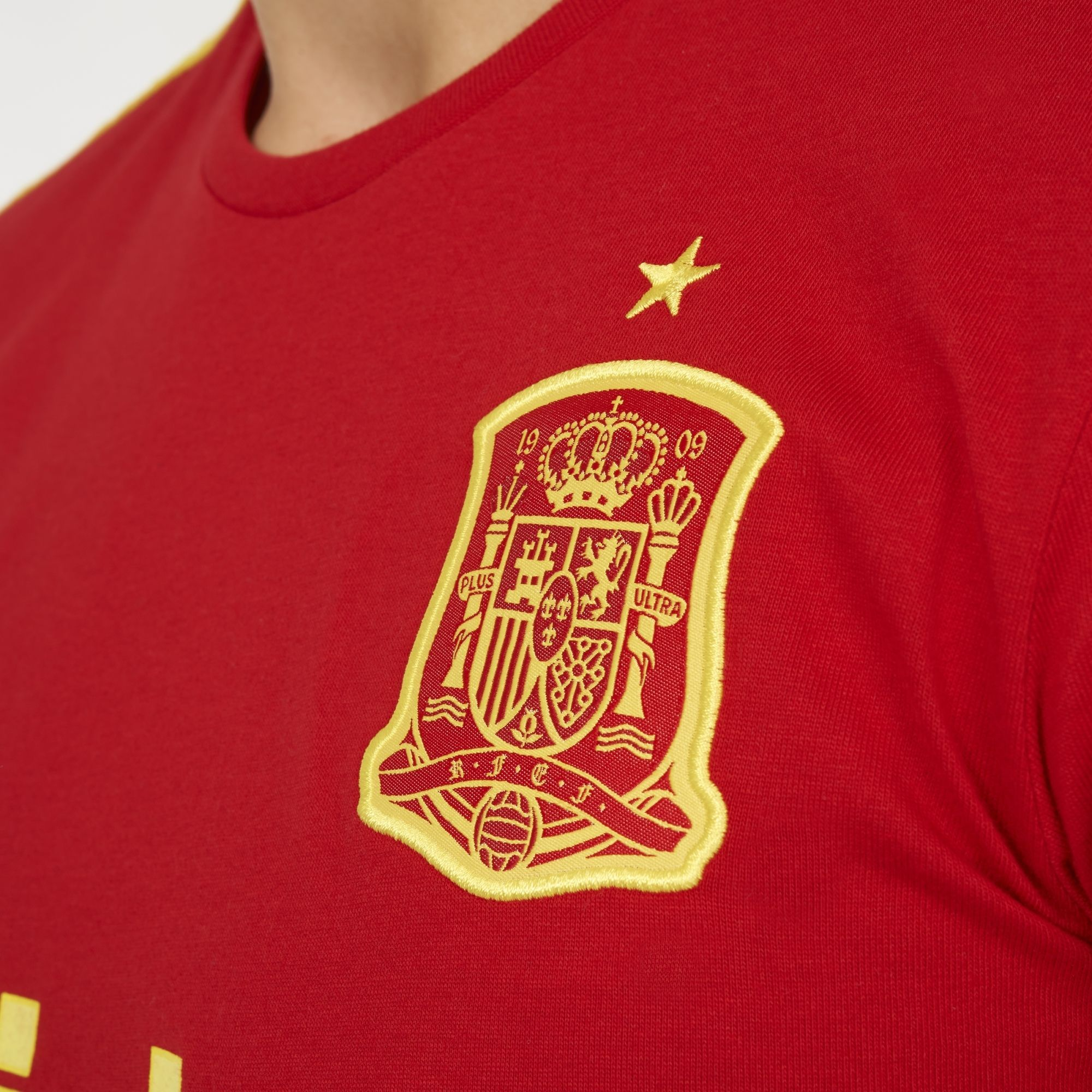 400a238b0 ADIDAS AI4447 Spain GRAPHIC TEE Football Soccer Home Shirt 2016-17 - Size  Large NEW